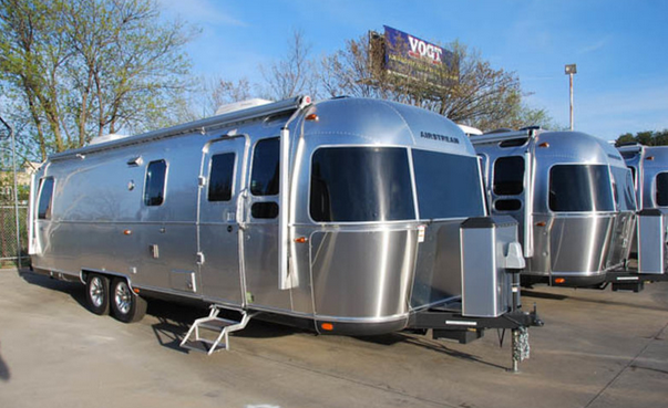 When shopping for an Airstream, try to find a dealer with a wide variety of inventory, like Airstream DFW.